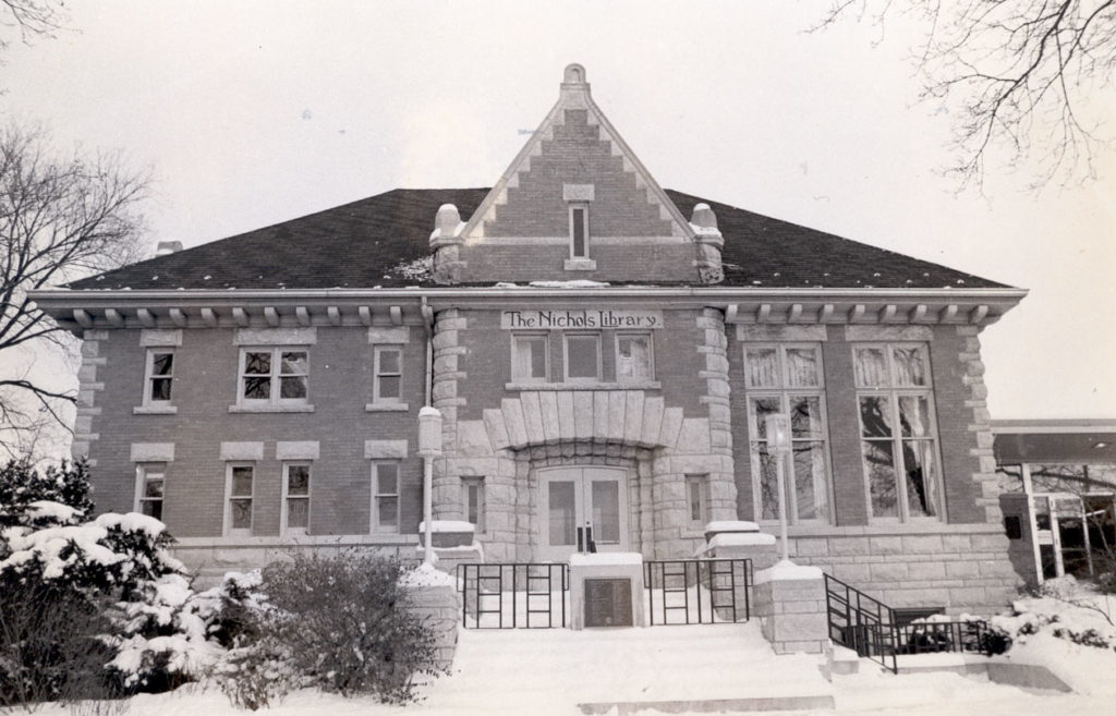 Save Old Nichols Library