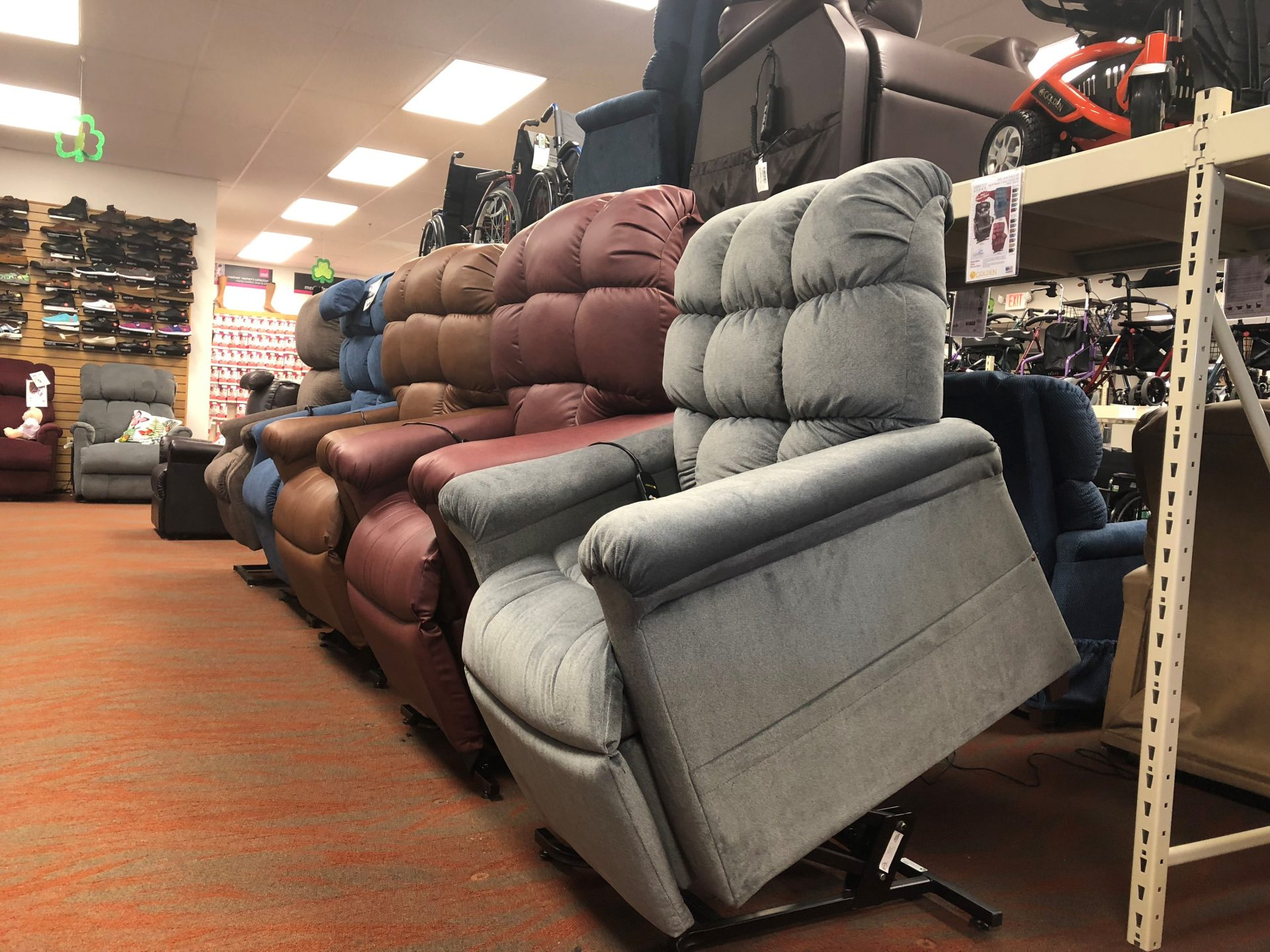 Buying the Best Power Recliner | Oswald's Medical